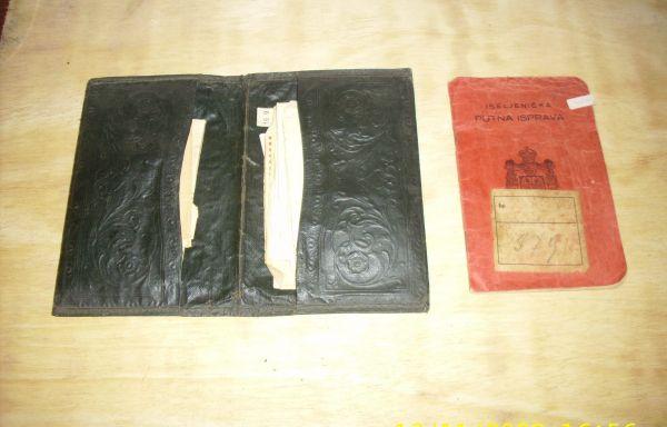 OBJETO Nº: 068 Portadocumento de inmigrantes y documentos